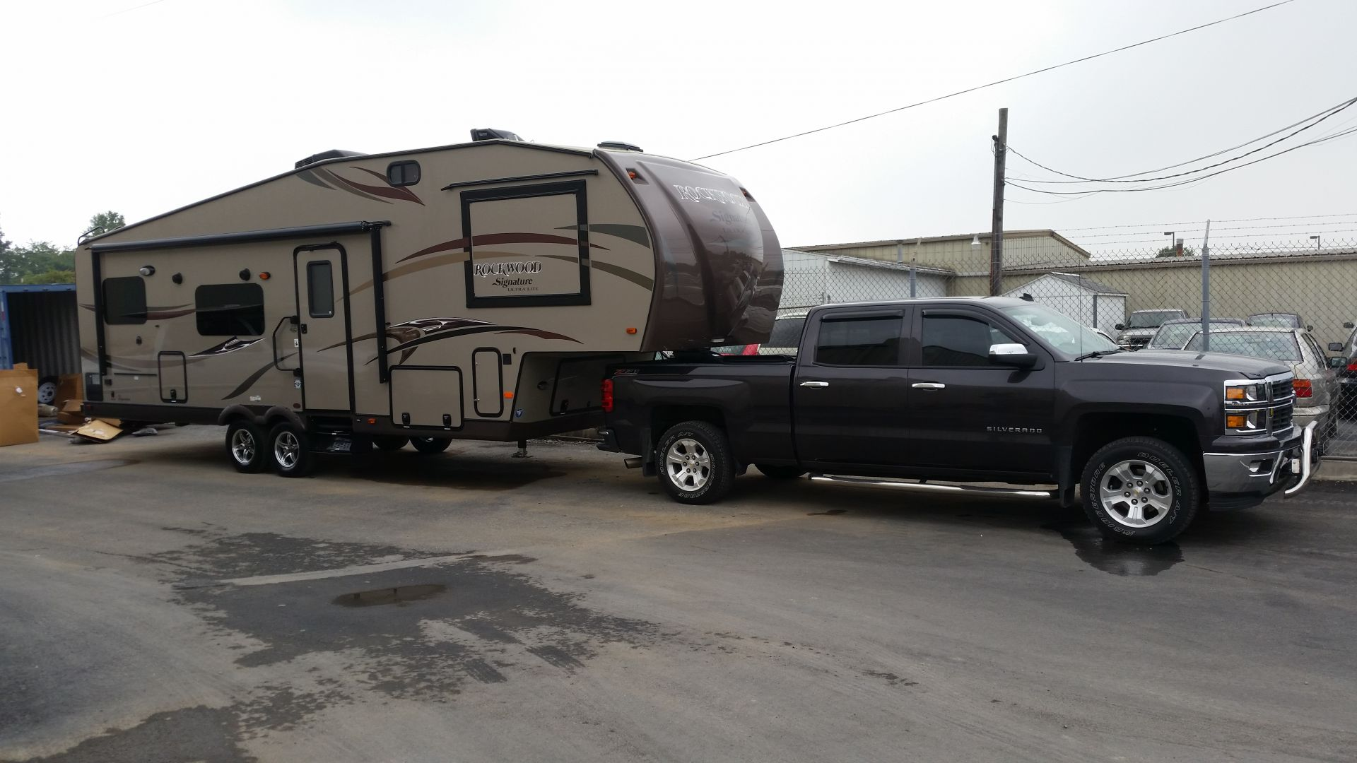 Silveradosierra Com For Those Worried About Towing A 5th Wheel